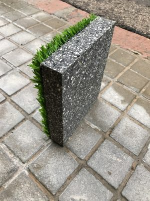 Pavimento absorbe golpes